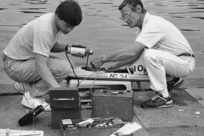 Fred and Andy with 3.5cc Multi boat